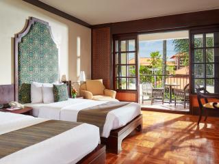 Grande Room - Twin Bedding