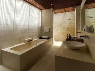 2 Bedroom Villa Bathroom
