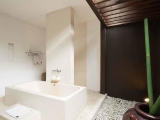 5 Bedroom Villa - Bathroom