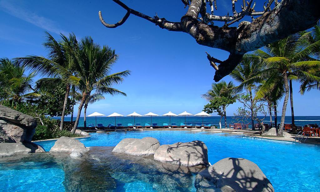 Hilton bali resort accommodation - Hilton swimming pool ...