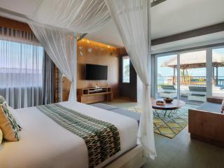 Ocean Front Rooftop Suite
