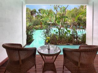 Laguna Pool Access Room