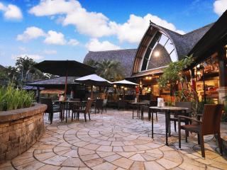 Poolside Terrace & Bar