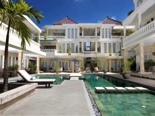 Bali Court Hotel & Apartments